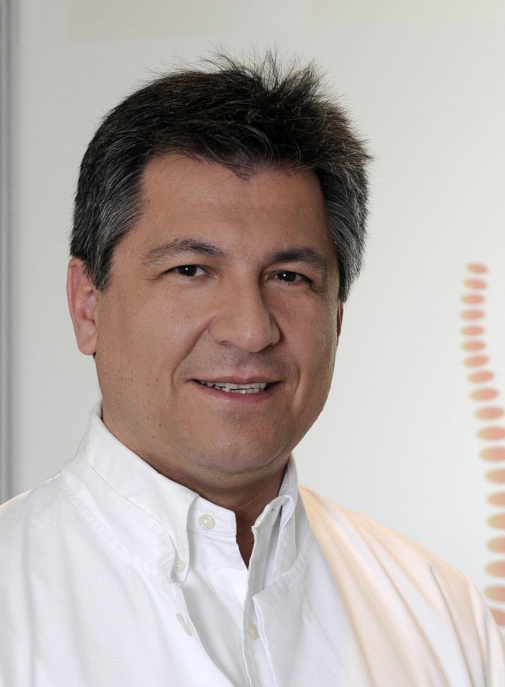 Dr. med. Farschad Tabesch (Ärztliche Leitung)